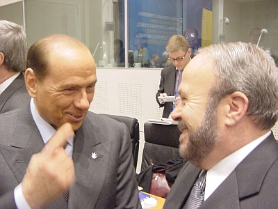 Silvio Berlusconi og daværende PM Fatos Nano