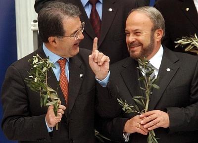 Romano Prodi og daværende PM Fatos Nano