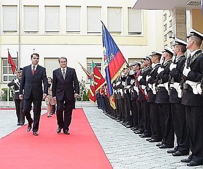 Kosóva's Premierminister Bajram Kosumi på besøg hos Albaniens Premierminister Sali Berisha, i slutningen af Oktober 2005. Foto: Premierminister Berisha's kontor