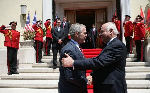 President Bush and President Moisiu