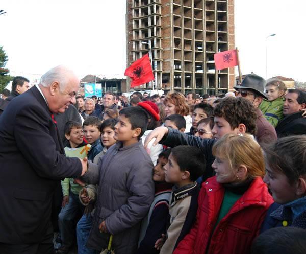 Præsident Moisiu i Vlora 28.11.2005